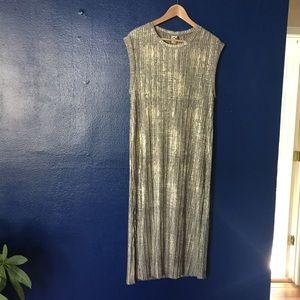 Dresses & Skirts - Metallic shift dress